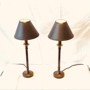 PAIRE DE LAMPES EN METAL CUIVRÉ FIN DU XIXème SIÈCLE